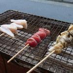 13027265 - 【2012.05. 初訪】 やげん軟骨串129円&砂肝129円&つぶ貝の串焼き299円