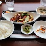 130285767 - 春キャベツの回鍋肉定食