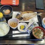 ひもの亭 - 料理写真:自家製アジ朝定食+玉かけセット