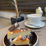 130313000 - ゴルゴンゾーラチーズケーキとカタラーナ