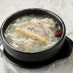 サムゲタン/Korean chicken stock soup