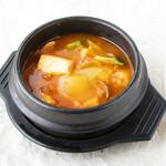 スン豆腐チゲ/Soft tofu stew