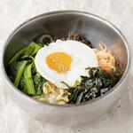 ビビンバ/Bibimbap (Korean mixed rice)