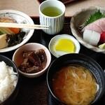 むらかみ - 料理写真:刺身定食(1,300円)