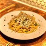 ハナドラ - 料理写真:しらすのペペロンチーノ