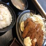 とん亭 - ロースミックス定食(海老とイカ)