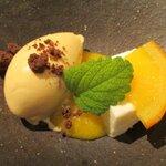 炭火焼きステーキ灰屋 - 料理写真:オレンジシャーベット&チーズケーキ(コンポート添え)!