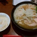 RAMEN 風見鶏 - 濃厚醤油(味玉)、ランチライス