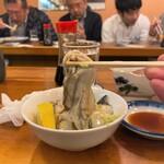 130343767 - 魚三酒場@富岡店 かき酢 かきリフト