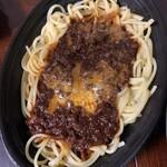 ヒラタパスタ - ミートソーススパゲティ