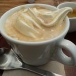 NARAYA CAFE - アフォガート・エスプレッソをかけると・・・
