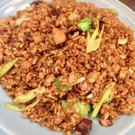 蓬溪閣 - 本日の締めはにんにく炒飯大盛!フワ&パラでいくらでも入りそうなくらい美味しい
