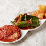 キムチ盛り合わせ/Marinated kimchi set
