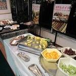 スカイホール - 夕食 フルーツ&デザートコーナー。