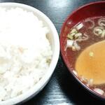味の散歩 中華村 - 料理写真:ご飯&中華ス-プ