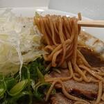 上方レインボー - 料理写真:加里ラーメンは全粒粉入りのストレート麺