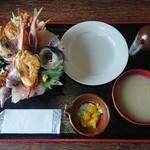 130378535 - 海鮮丼 ¥1200