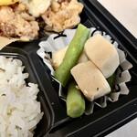 ジ オールド ティッコ コーヒー ダイニング - 高野豆腐の煮物、この素朴さがイイね。
