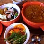 13038712 - セットのスープとサラダ