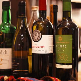 地中海地域を中心とした厳選ワインをご用意