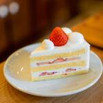 ホワイト グラス コーヒー - とちおとめのショートケーキ