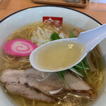 らーめん 吟屋 - とび魚出汁のスープ
