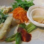 キラキラカフェ とねりこ - 野菜のおかず6種