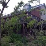 森のパン屋 花穂 - 道からの眺め