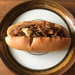 トリコ - 料理写真:焼きそばコッペパン♡濃いめの味付けよん(๑´ڡ`๑)