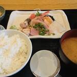 日乃本食堂 - 刺身定食 880円