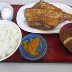 ひもの食堂 - あかうお大(800円)⁺定食(350円)
