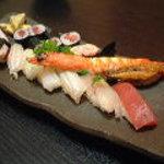まるみつ寿司 - 地魚いろいろ上にぎり 2000円