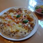 レストランびーばぁ - ランチのピザ