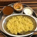 インド定食 ターリー屋 - 料理写真:2色カレー(キーマ・バターチキン)