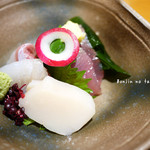 和の料理 ふじ - 刺身(ホタテ、カツオ、タイ、平目)