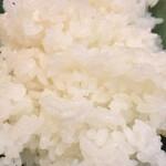 宮本 - ご飯は普通です ふっくら炊きあがってます 佐渡だったらもっと美味しい米があるはずだけど
