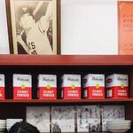 カレーショップ90番 - 色紙と長嶋監督の写真が飾ってあります