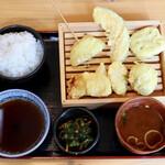 天ぷら酒場KITSUNE - 名物とり天定食