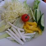 からまつ園  - 空知野サラダ蕎麦 アップ