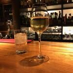 130431558 - ワンドリンクはグラスワインもあり