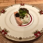 au deco - 桜鱒のミキュイ キャビアのせ