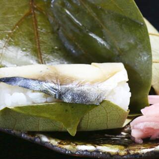 """熊野灘の鯖を使用。奈良の郷土料理""""柿の葉すし""""に情緒を感じる"""