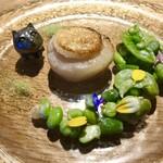 Cheval de Hyotan - 帆立のポワレと春の豆トンナータソース