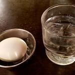 白樺山荘 - ラーメンが出てくる前に、ゆで卵を何個食ったべ?