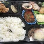 海鮮鉄板 やまおか食堂 - 日替わり弁当ごはん大盛り700円