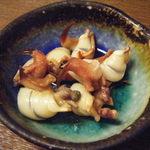 ちゅらさん亭 - 突出しの貝です。爪部分は食べられません。
