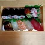 ひかり寿し - 料理写真:上寿し  (1,900円)