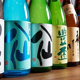 八戸の名酒「八仙」をはじめ、青森の地酒や焼酎を各種ご用意