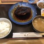 130468885 - 銀ダラの煮魚定食