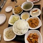 韓国トン一 -
